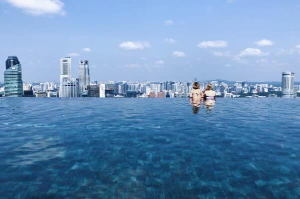 マレーシア・シンガポールホテル|マリーナベイ・サンズの屋上プール