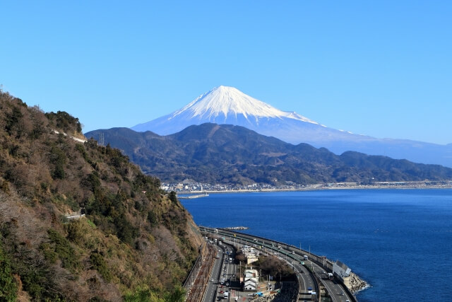 静岡から日帰り旅行で行く県外のスポット!横浜・東京・山梨